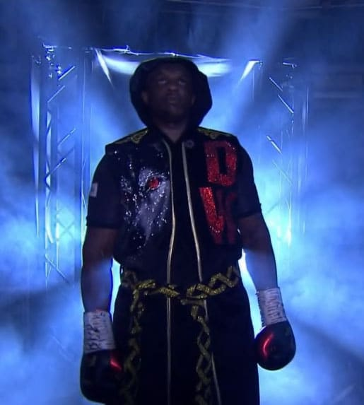 Dillian Whyte in black robe vs Parker